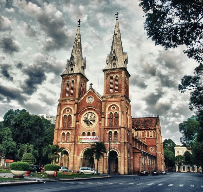 Kiến trúc tuyệt đẹp của nhà thờ Đức Bà