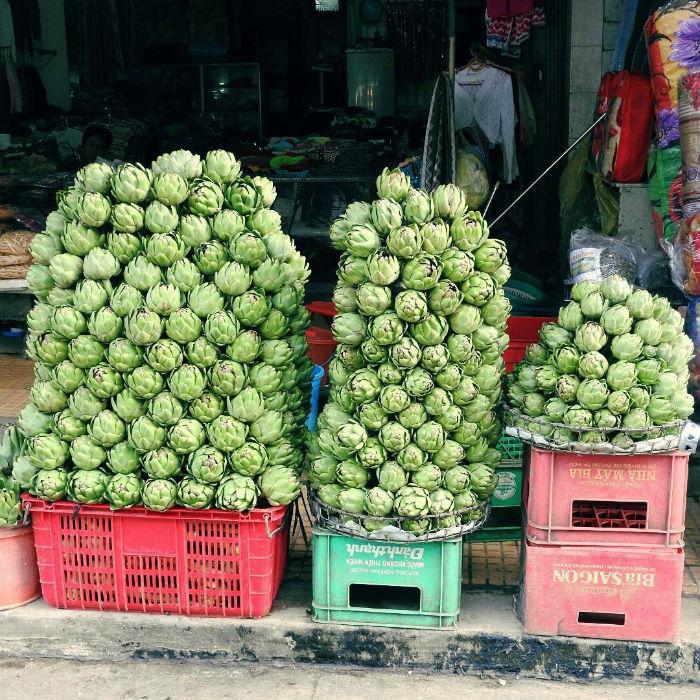 Hoa Atiso tươi được bày bán tại chợ Đà Lạt