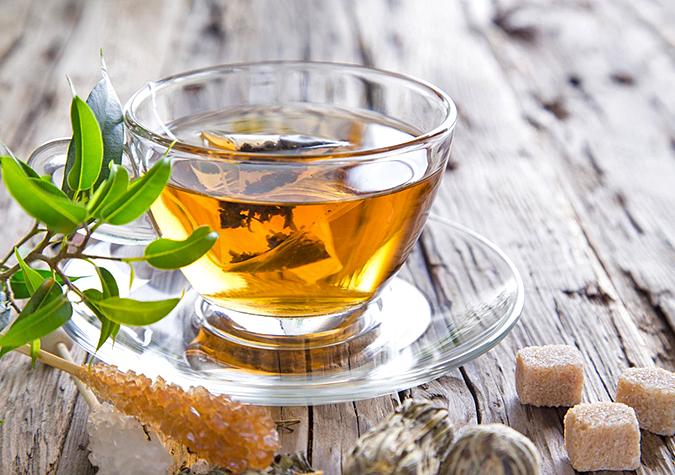 Trà có hương thơm đặc trưng của hoa atiso và là loại thức uống rất có lợi cho sức khỏe