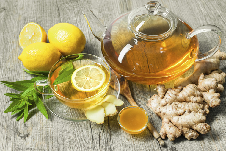 Bạn nên thưởng thức trà gừng khi còn nóng, uống chậm và thư thái vào mỗi buổi sáng hoặc vào buổi tối để đạt được hiệu quả tốt nhất cho sức khỏe.