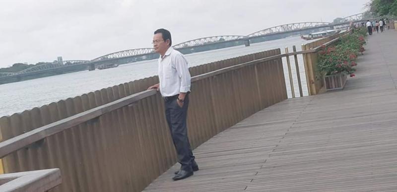 Ảnh chân dung nhà thơ Lê Viết Hòa