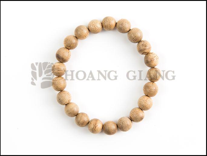Vòng tay trầm hương Hoàng Giang