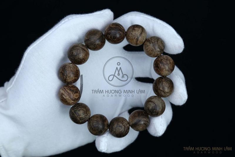 Trầm Hương Minh Lâm với nhiều năm kinh nghiệm trong việc gia công chế tác những sản phẩm từ trầm hương