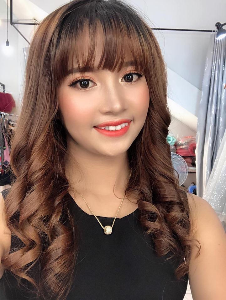 Trâm Huỳnh make up