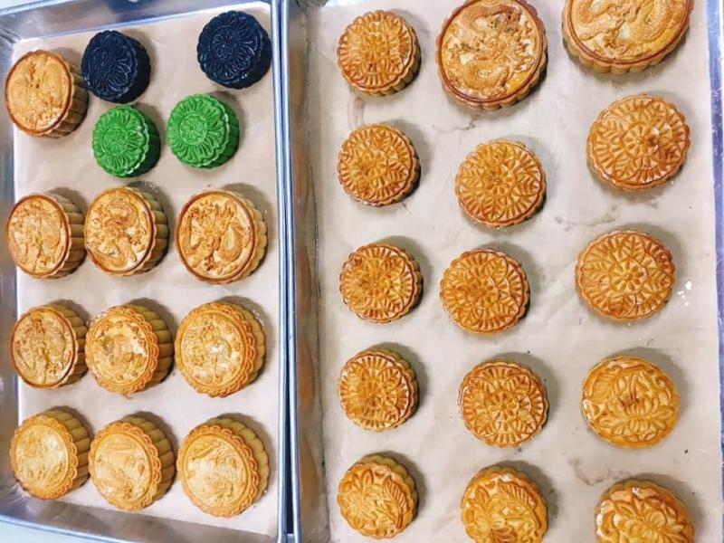 Bánh trung thu tại tiệm bánh Trâm Lê với nhiều hương vị.
