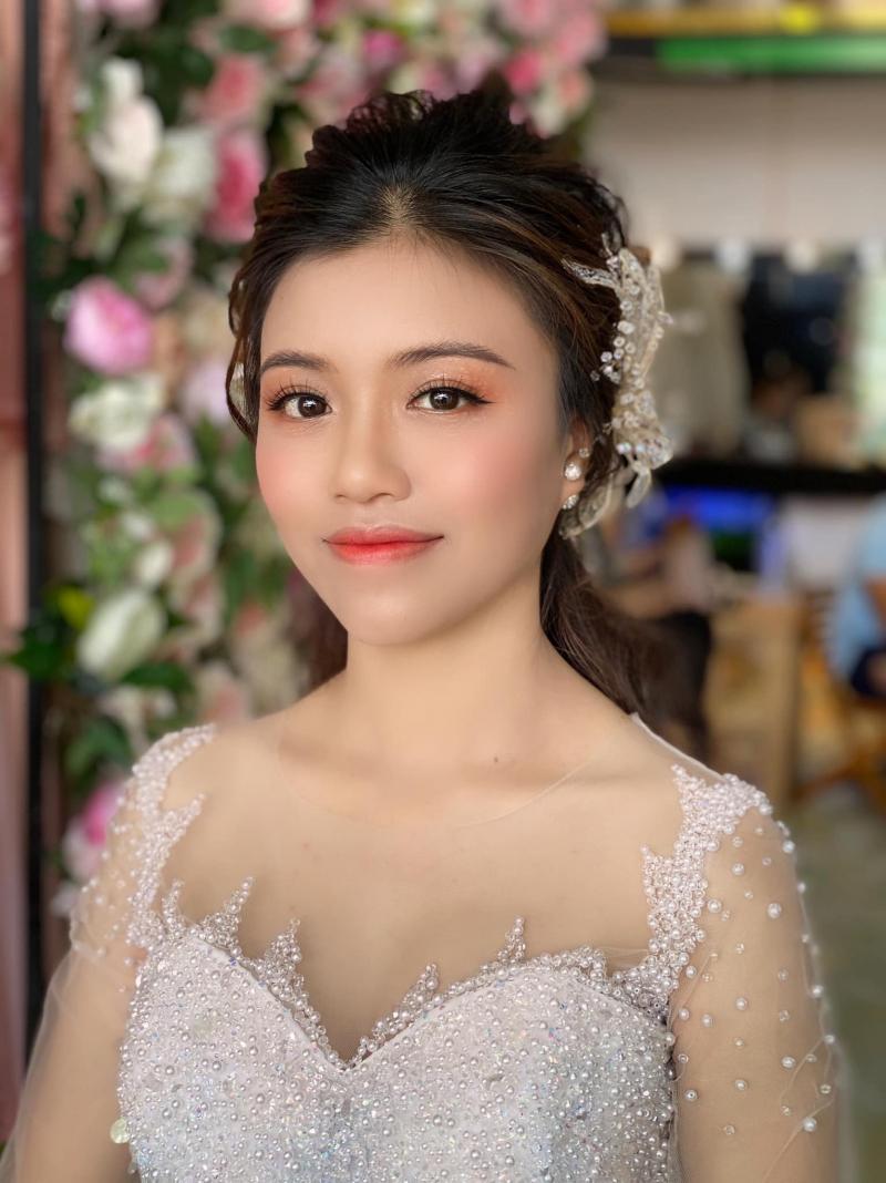 Trân Huỳnh Make Up