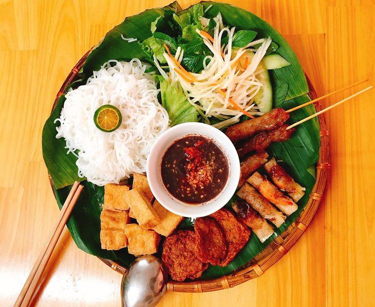 Trần Nguyễn - Bún Đậu Mắm Tôm Hà Nội