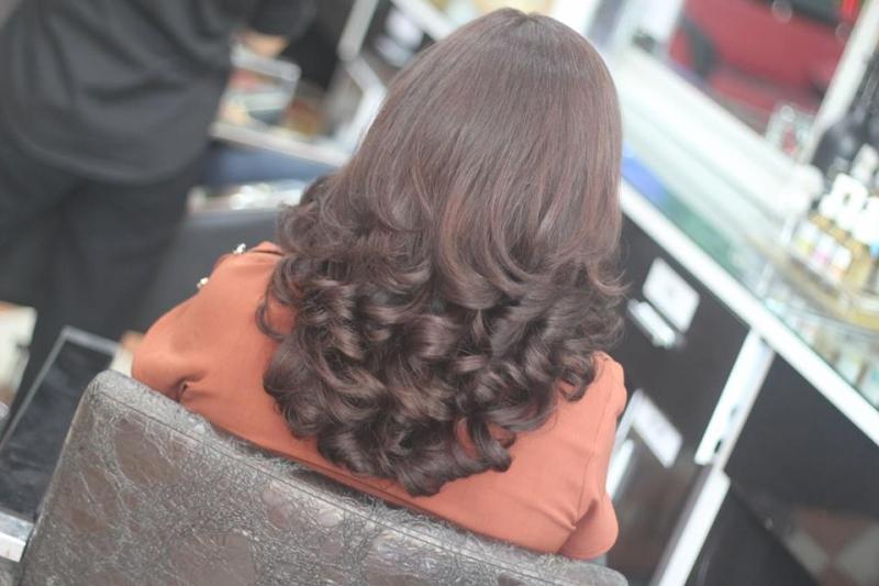 Máy móc hiện đại là yếu tố quan trọng để tạo nên một kiểu tóc đẹp