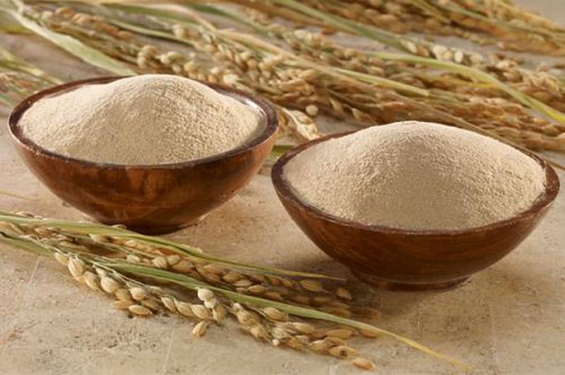 Trắng da với cám gạo