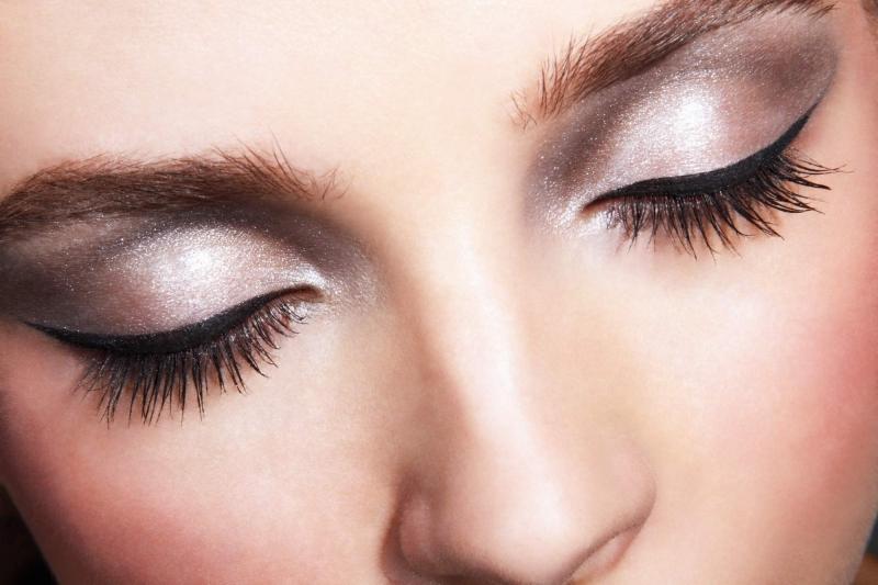 Trang điểm mắt khói quyến rũ