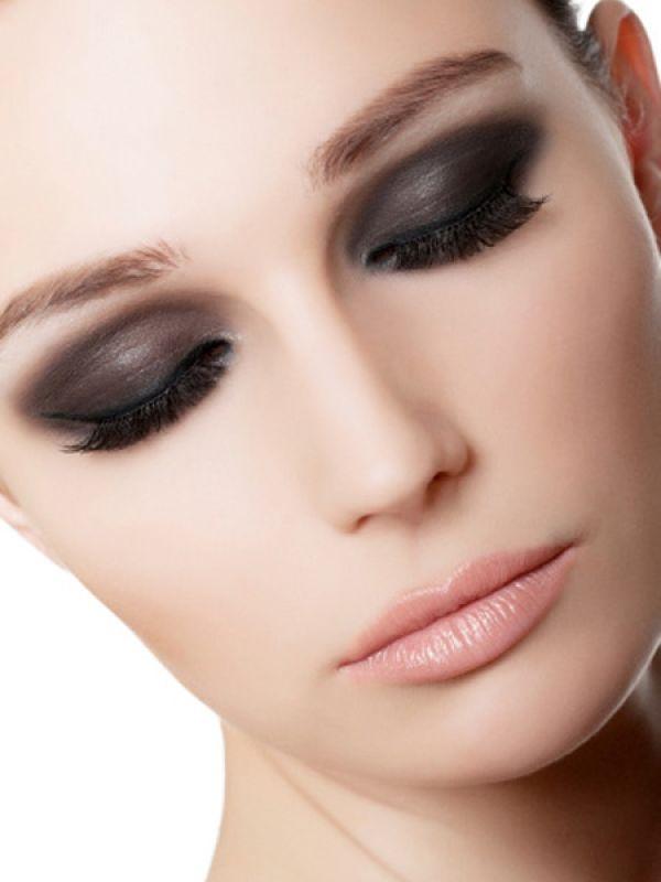 Trang điểm mắt quá đậm cản trở sự phát triển tự nhiên của lông mi