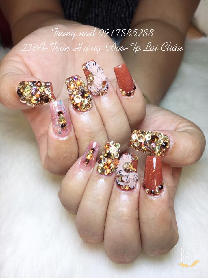 Trang Nail Design