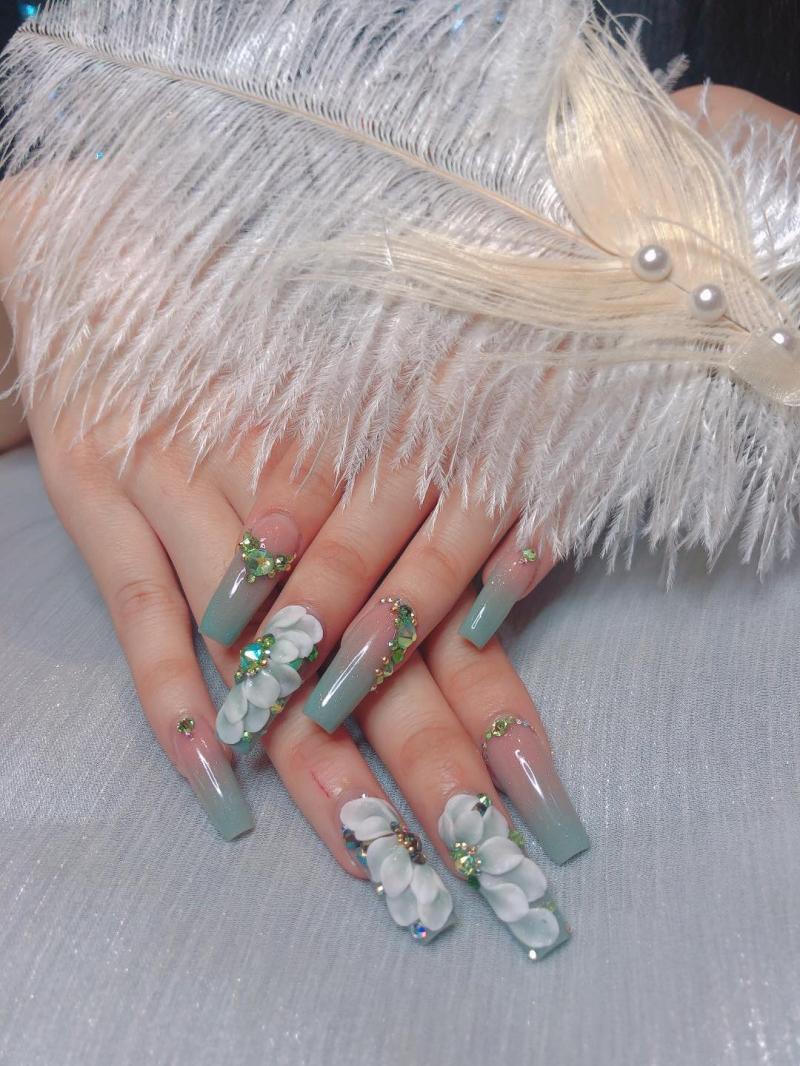 Trang Nails Q2