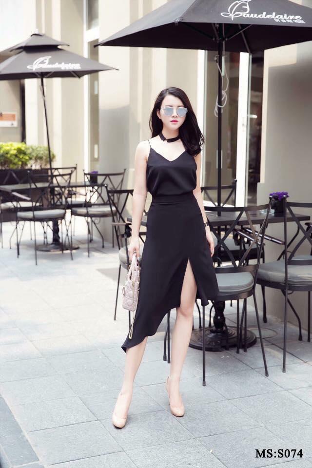 Ngoài những chiếc đầm tiểu thư ngọt ngào thì Trang Nguyễn Boutique cùng có nhiều mẫu đầm thiết kế sexy phù hợp với những cô nàng táo bạo và quyến rũ