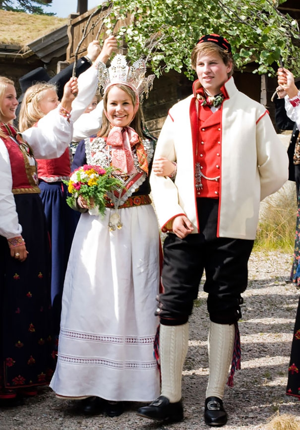 Cô dâu trong