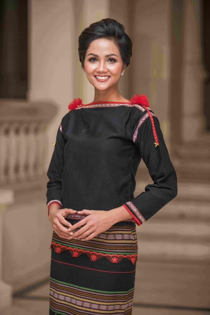 Top 16 Trang phục dân tộc đẹp và độc đáo nhất ở Việt Nam - Toplist.vn