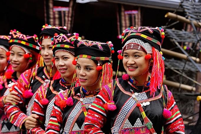 Nữ phục Hà Nhì Hoa