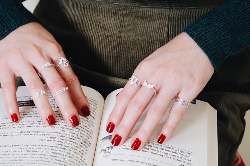 Nhẫn bạc lấp lánh