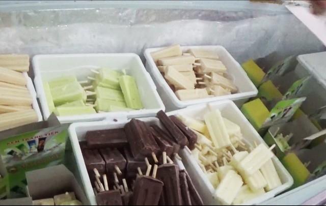 Tủ kem tại Tràng Tiền.