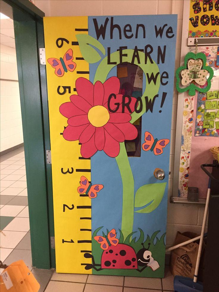 Trang trí lớp học mầm non đẹp nhất với chiếc cửa sinh động