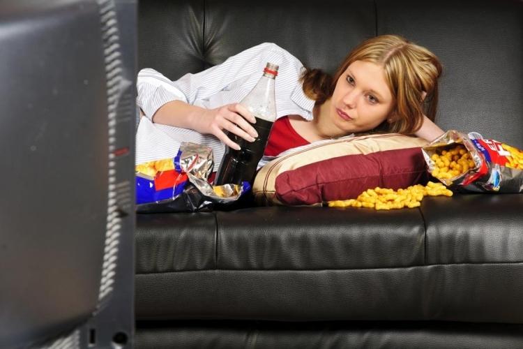 ăn trước màn hình là thói quen gây tăng cân