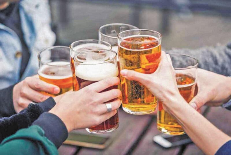 Người bị gout nên kiêng rượu bia