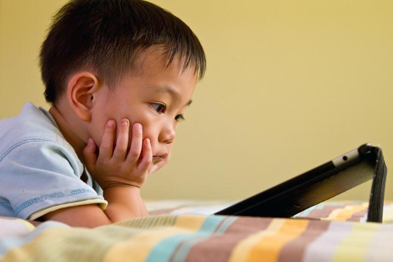 Hạn chế trẻ em tiếp xúc thường xuyên với các nguồn bức xạ
