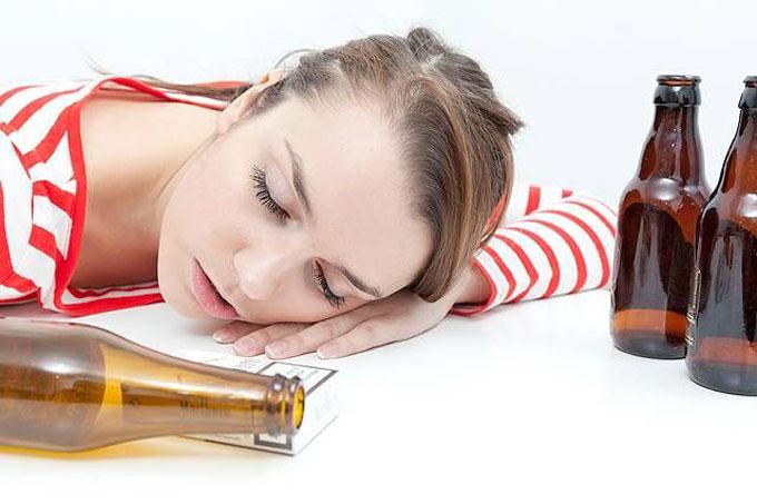 Tránh xa chất kích thích trước khi ngủ