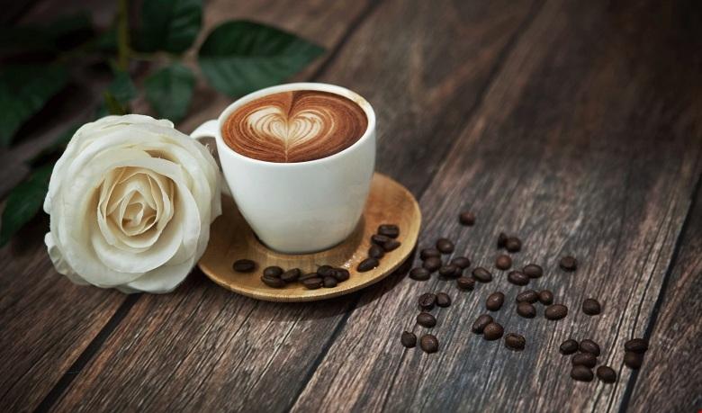 Cà phê có thể là một đồ uống tuyệt vời, nhưng hãy tránh sử dụng sau 4h chiều để tránh mất ngủ