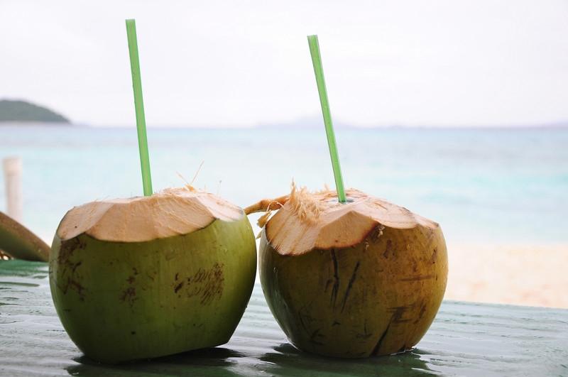 Nước dừa có công dụng trẻ hóa làn da