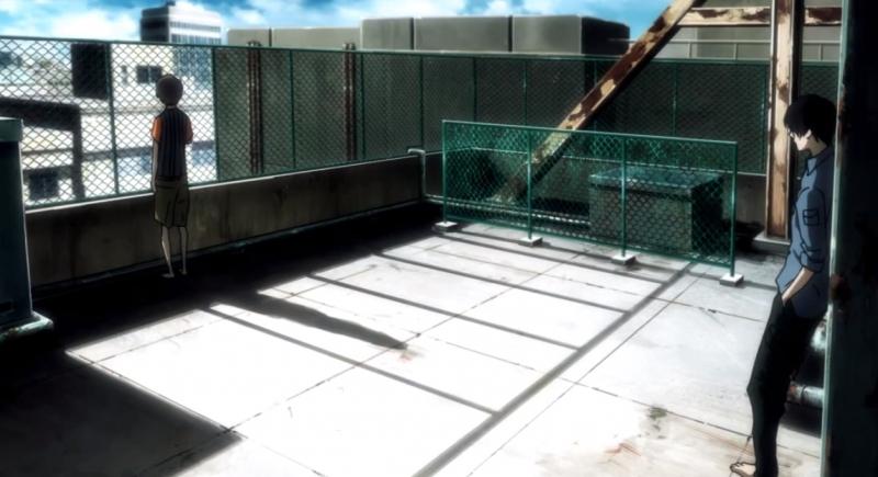 Trên sân thượng của căn cứ