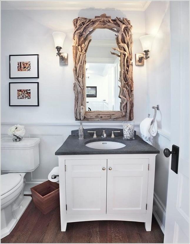 Treo gương trong bồn tắm hoặc toilet