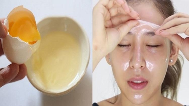 Lòng trắng trứng gà chứa nhiều thành phần khoáng chất vitamin tốt cho da có tác dụng dưỡng ẩm và se khít lỗ chân lông giảm tắc nghẽn nang lông.