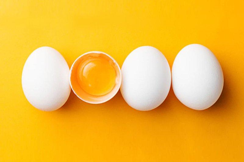 Trị mụn ẩn dưới da bằng mướp đắng và trứng gà