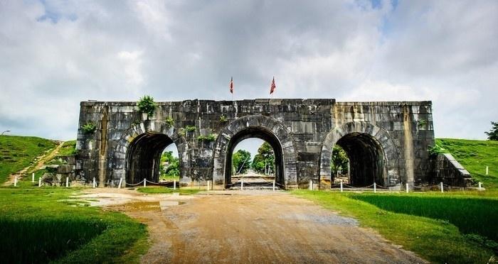 Thành nhà Hô ở Thanh Hóa
