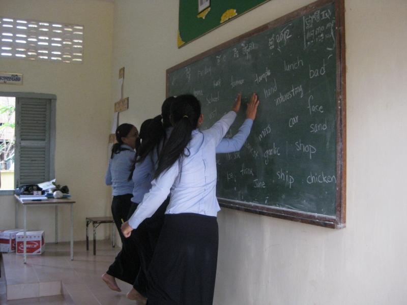 Top 10 Trò chơi tiếng Anh vui nhộn giáo viên tiểu học nên áp dụng trong giờ học