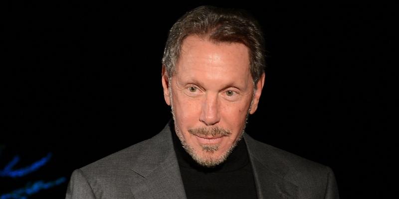 Larry Ellison - đồng sáng lập và giám đốc điều hành của tập đoàn Oracle, chuyên về phần mềm quản trị.