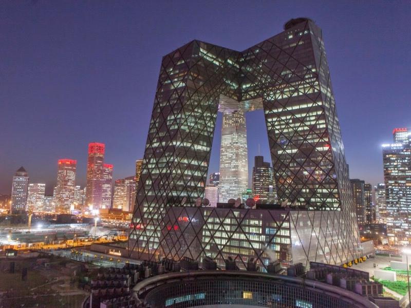 Tòa nhà CCTV có hình dáng đa giá kỳ thú và độc đáo.