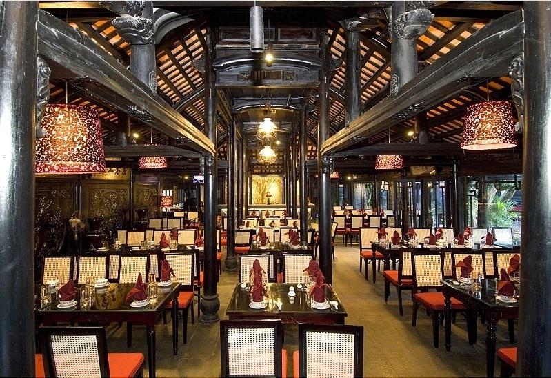 Nhà hàng trong Trúc Lâm Viên