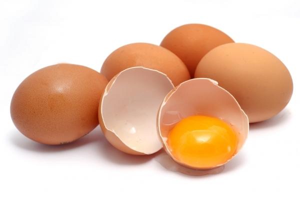 Trong trứng có nhiều chất dinh dưỡng, có thể giúp bạn sở hữu một mái tóc cùng bộ móng tay móng chân và cơ thể khỏe mạnh.