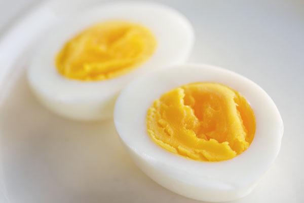 Ăn trứng vào bữa sáng giúp hạn chế sự thèm ăn