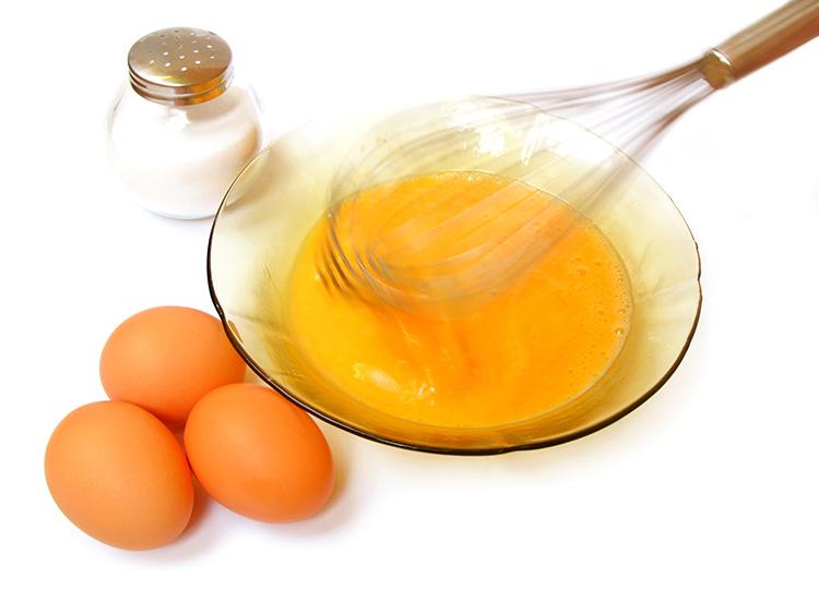 Mặt nạ trứng gà là phương pháp hữu hiệu giúp trẻ hóa làn da