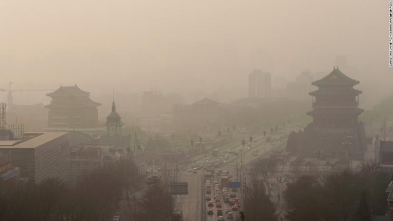 Thành phố Bắc Kinh chìm trong biển khói độc.