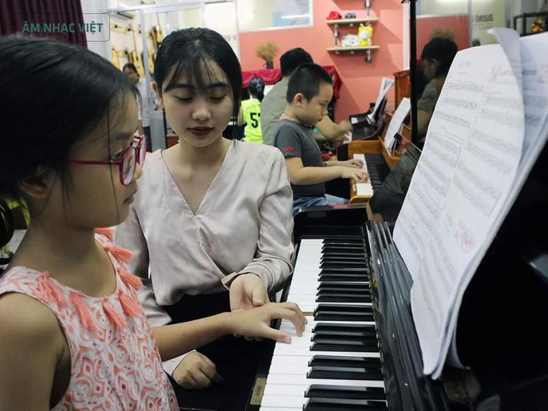 Học viên nhí của trung tâm âm nhạc Việt