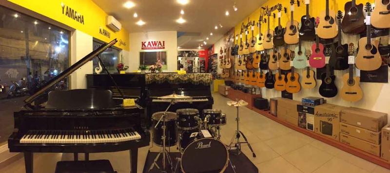 Dàn nhạc cụ và cơ sở vật chất của trung tâm.