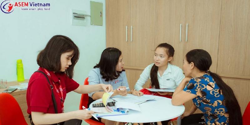 Tư vấn chương trình học tại trung tâm anh ngữ Asem