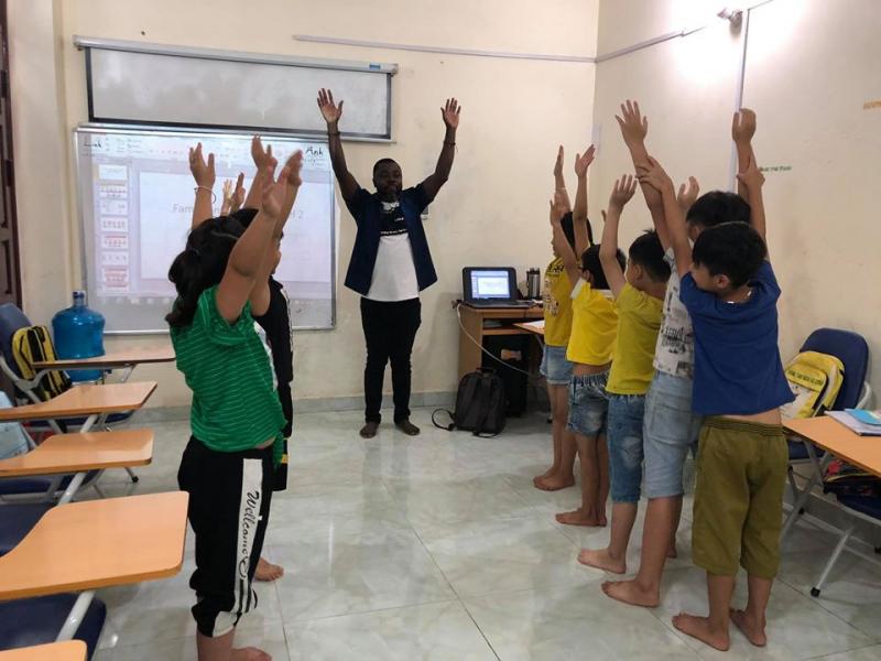 Một buổi học tại  Trung Tâm Anh Ngữ Etina