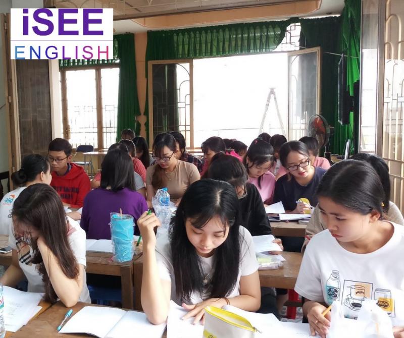Học viên thực hành tại lớp