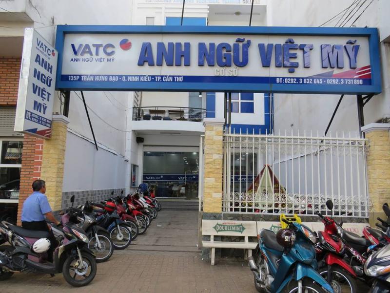 Hình ảnh phía ngoài Trung tâm Anh ngữ Việt Mỹ