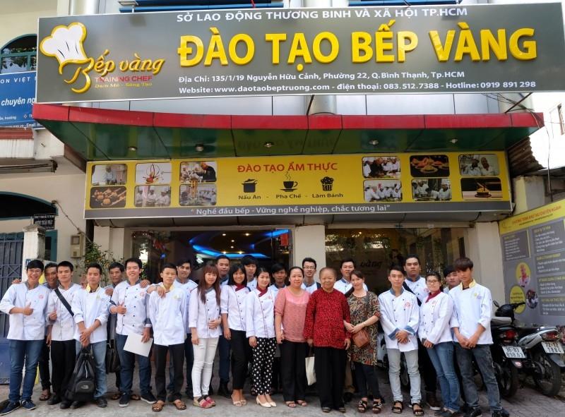 Đào Tạo Bếp Vàng hiện đang nằm trong top các Trung tâm dạy pha chế uy tín nhất tại Thành phố Hồ Chí Minh.